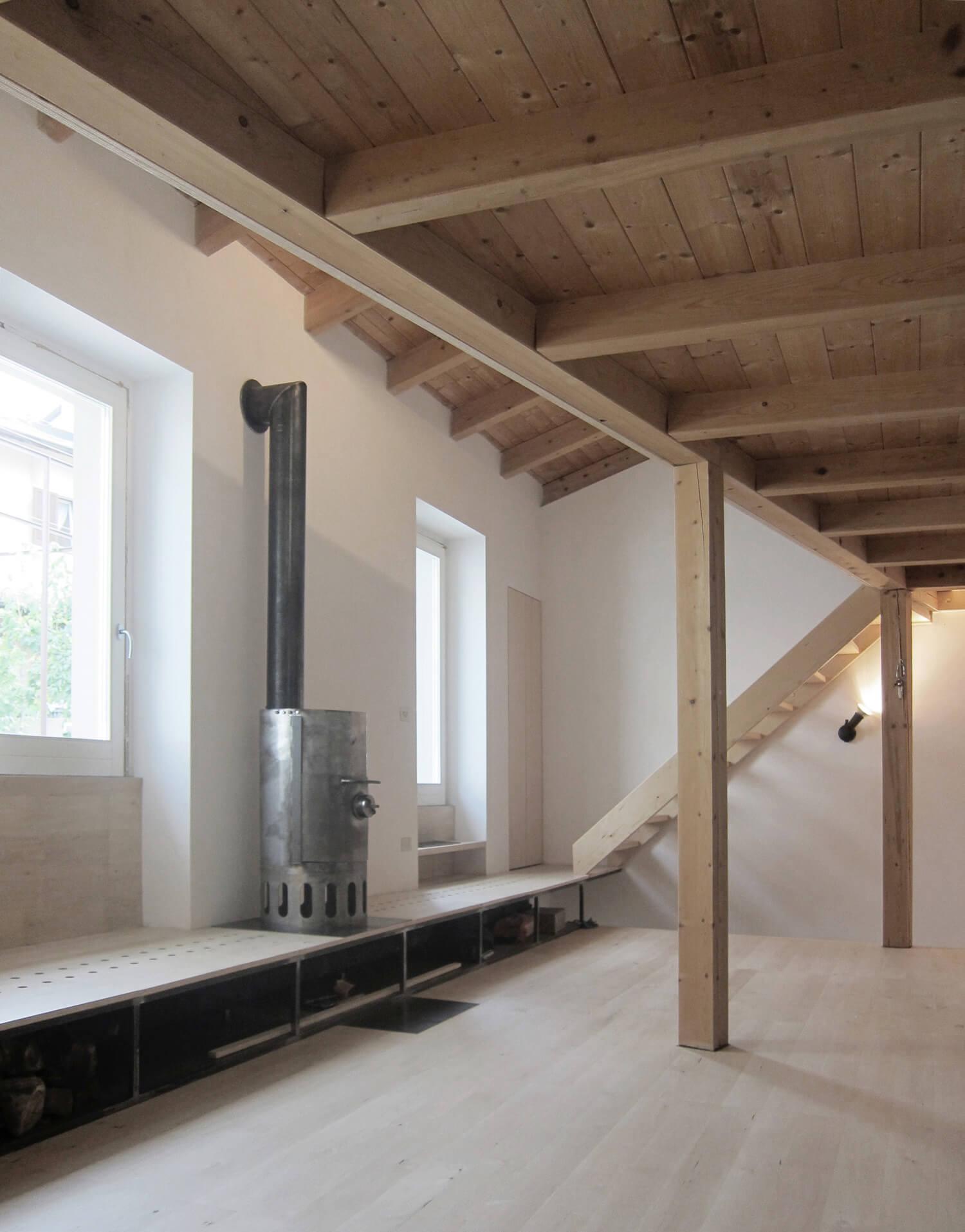 Building renovation in Canzo, Prize Maestri Comacini